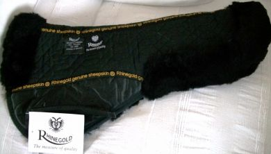 RHINEGOLD MERINO SHEEPSKIN SADDLE PAD. BLACK.